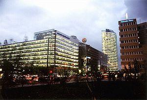 potsdamerplatz.jpg - 800 x 548 - 137kB